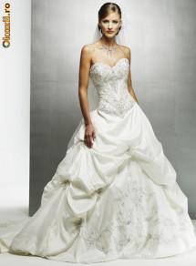 Описание: Свадебные платья / Обсуждения в сети.